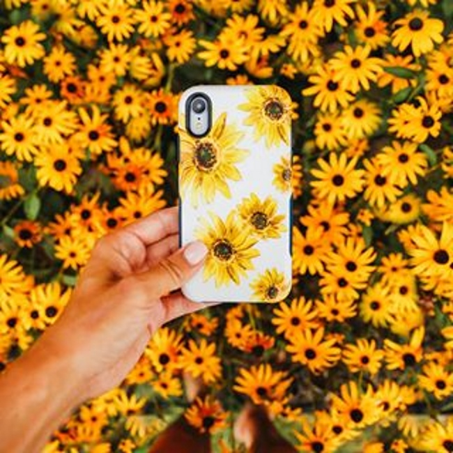 Casely-Bright-Yellow-Sunflowers-Case